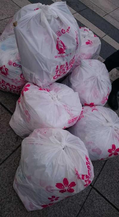 ゴミ拾いをして集まったゴミ2