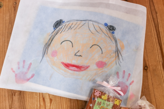 子どもが書いた似顔絵