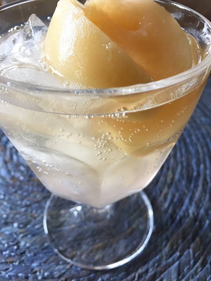 大人の楽しみかた 梅酒と桃のコンポート