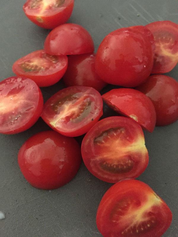 トマト半分