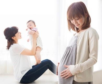 産婦さんと子ども