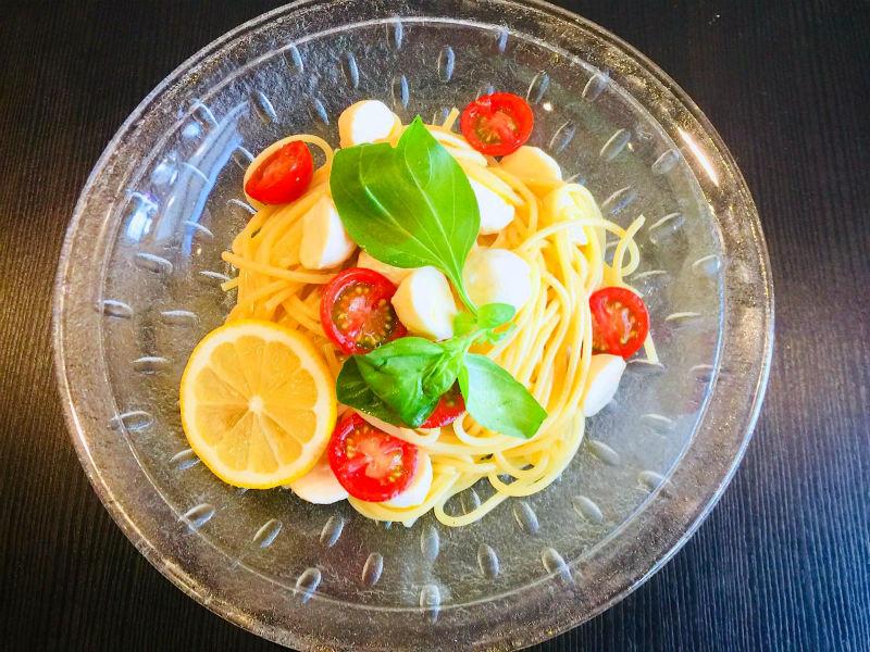 生モッツアレラとトマトの冷製パスタ完成!