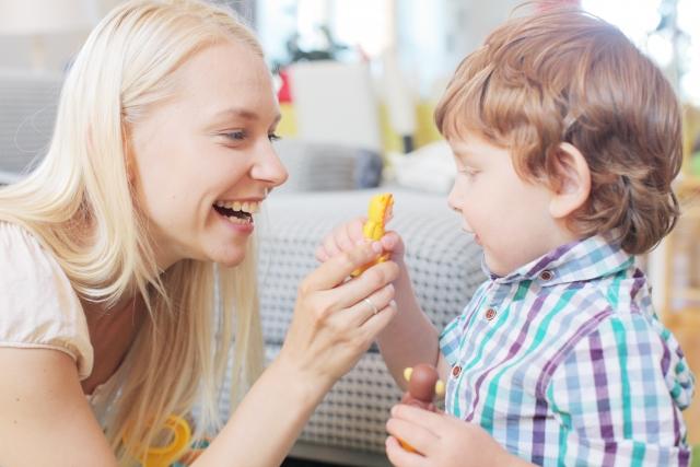 食べ物と母と子ども