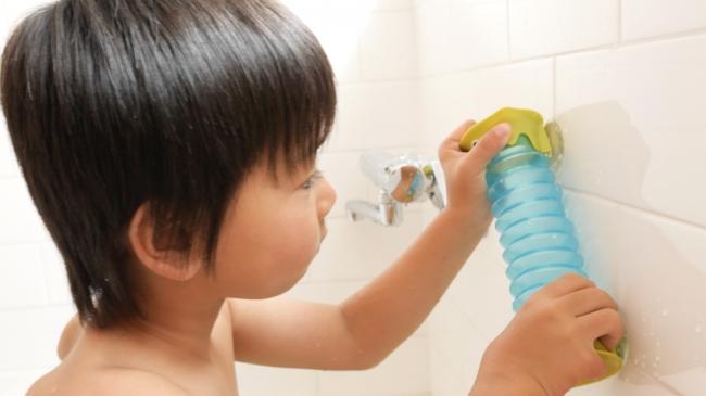 おふろじゃぶじゃぶコースターをお風呂にくっつける
