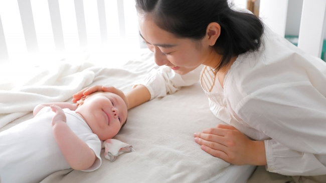 ジェリービーズで寝る赤ちゃん