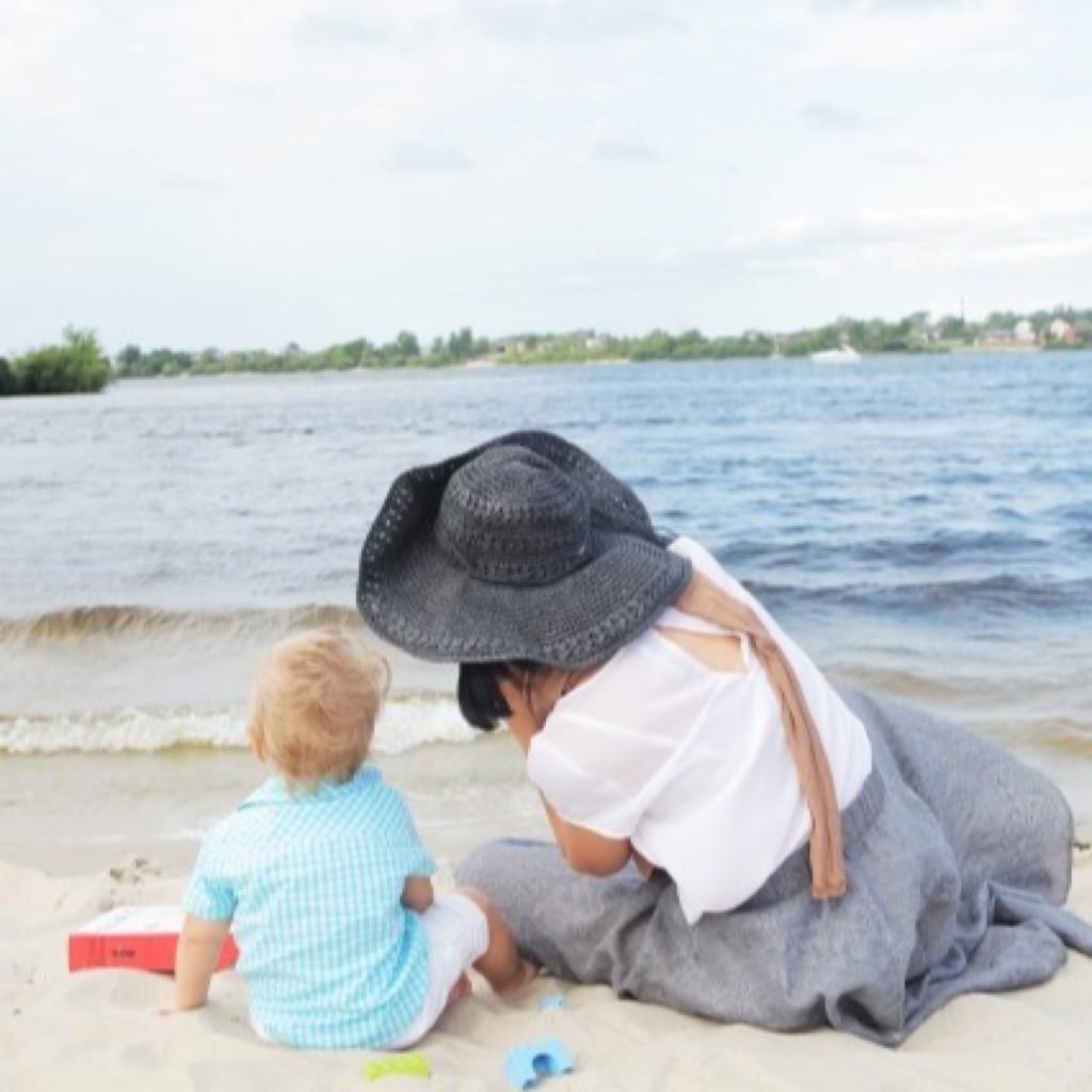 浜辺の子どもたち