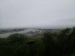 山頂より町を見下ろした景色
