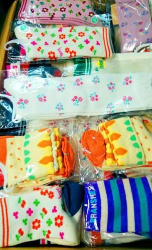 ハギレや靴下を震災復興支援のためのグッズ作製の材料として寄付