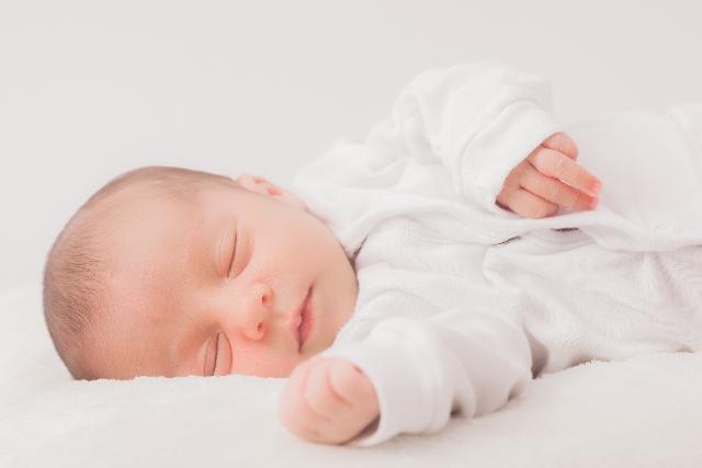 ぐっすり眠る赤ちゃん