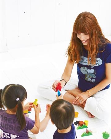 タレントSHEILAさんと、子どもたち