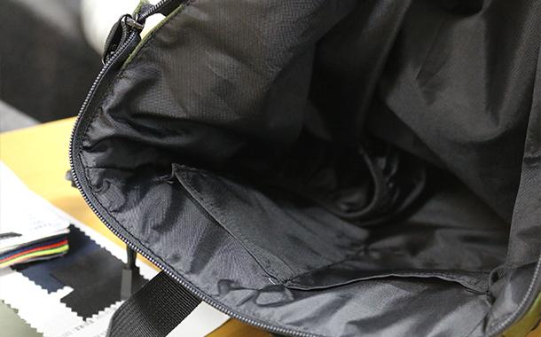 ママバッグは小さなポケットがいっぱい