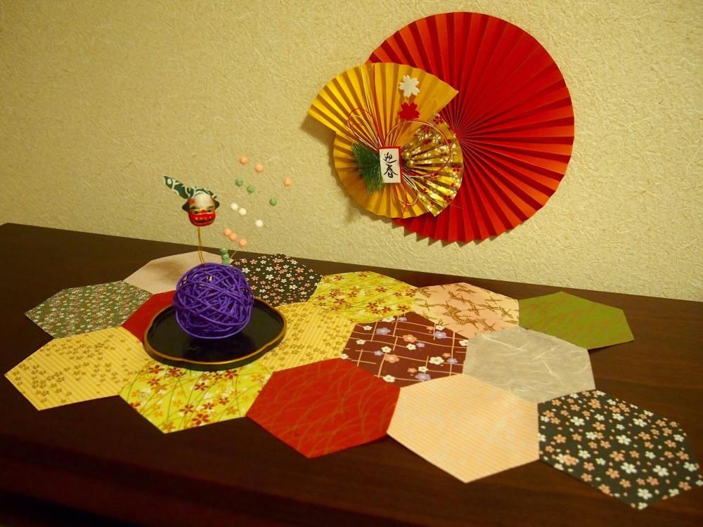 和風の折り紙を使ってテーブルライナー