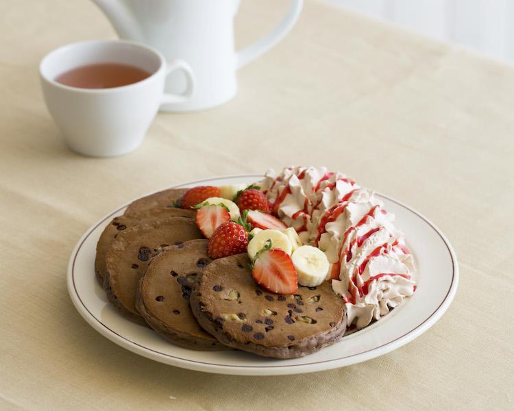 「Eggs 'n Things」トリプルチョコレートブラウニーパンケーキ