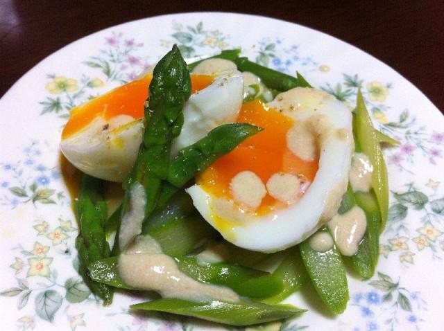 卵とあえたアスパラ