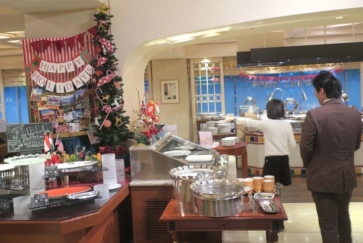 1階にあるレストラン「カシュカシュ」店内