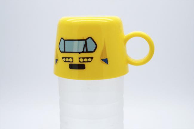 新幹線ペットボトルキャップコップ使用イメージ