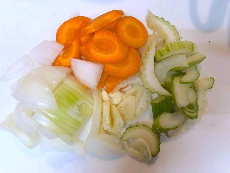 小さく刻んだ野菜