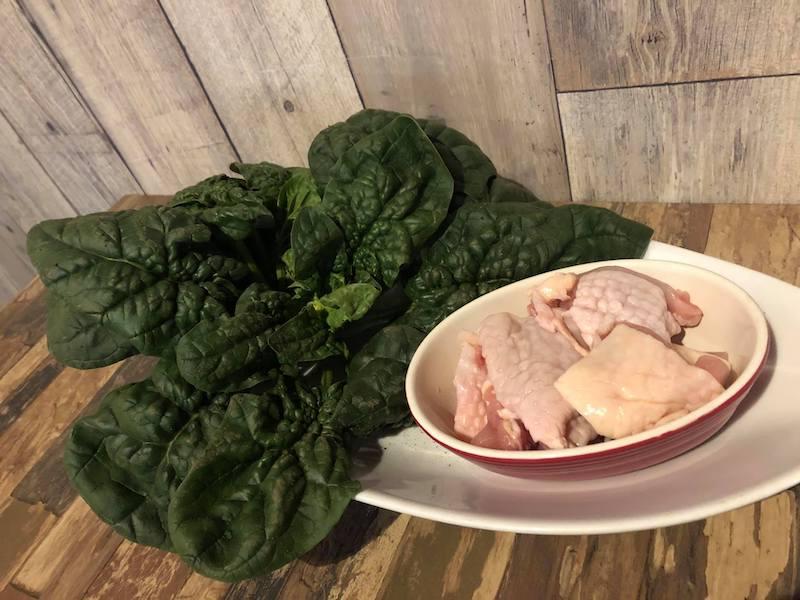 ちぢみほうれん草と鶏肉のクリーム煮材料