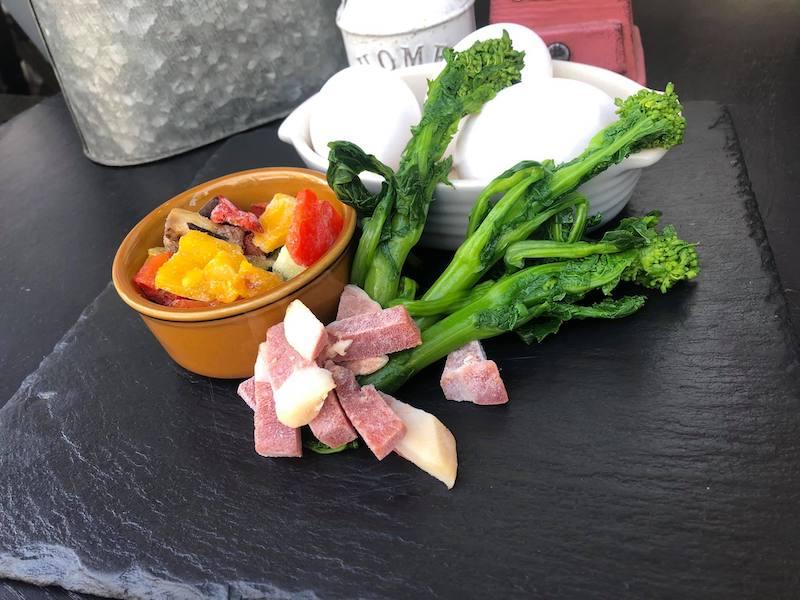 パンチェッタと菜の花のフリッタータの材料