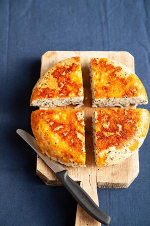 黒ごまチーズパン