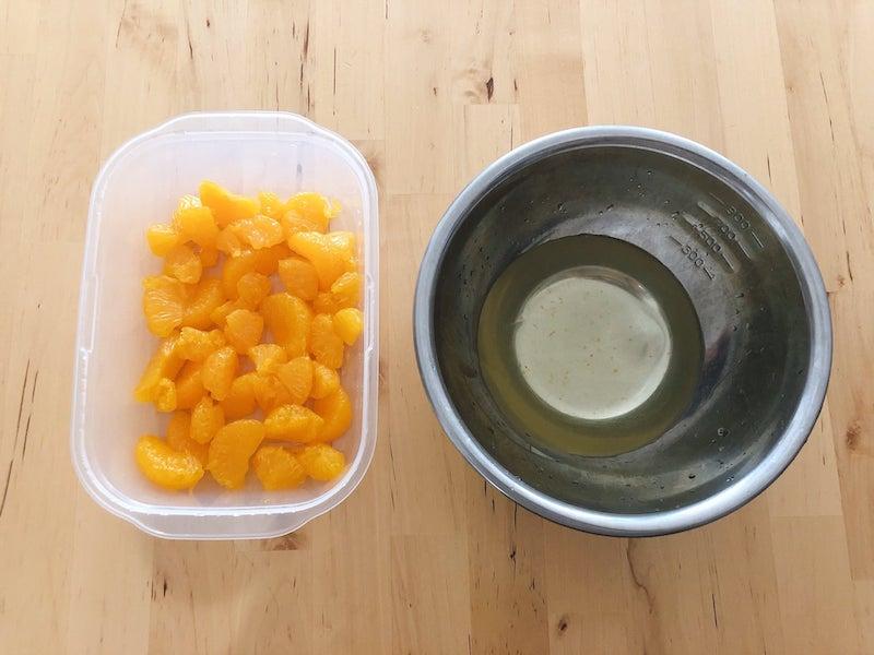 みかん缶とシロップ