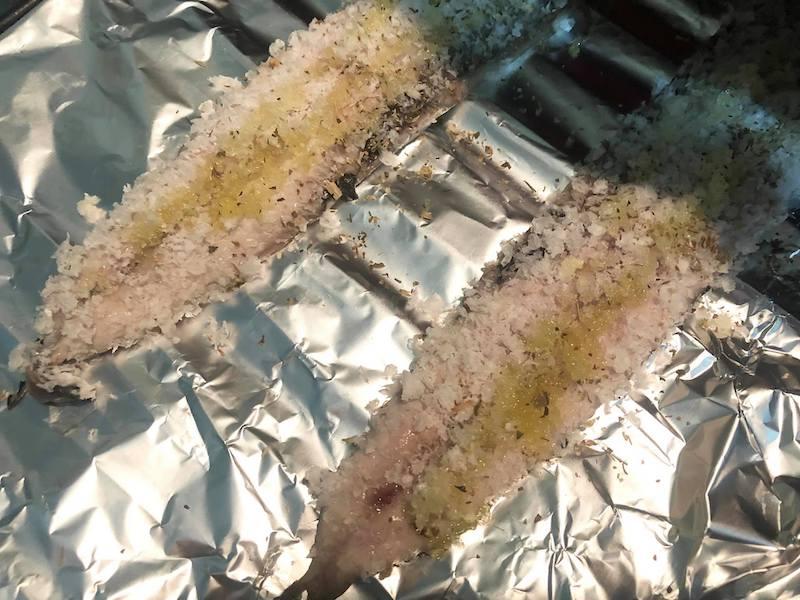 パン粉をつけて焼いたサンマ